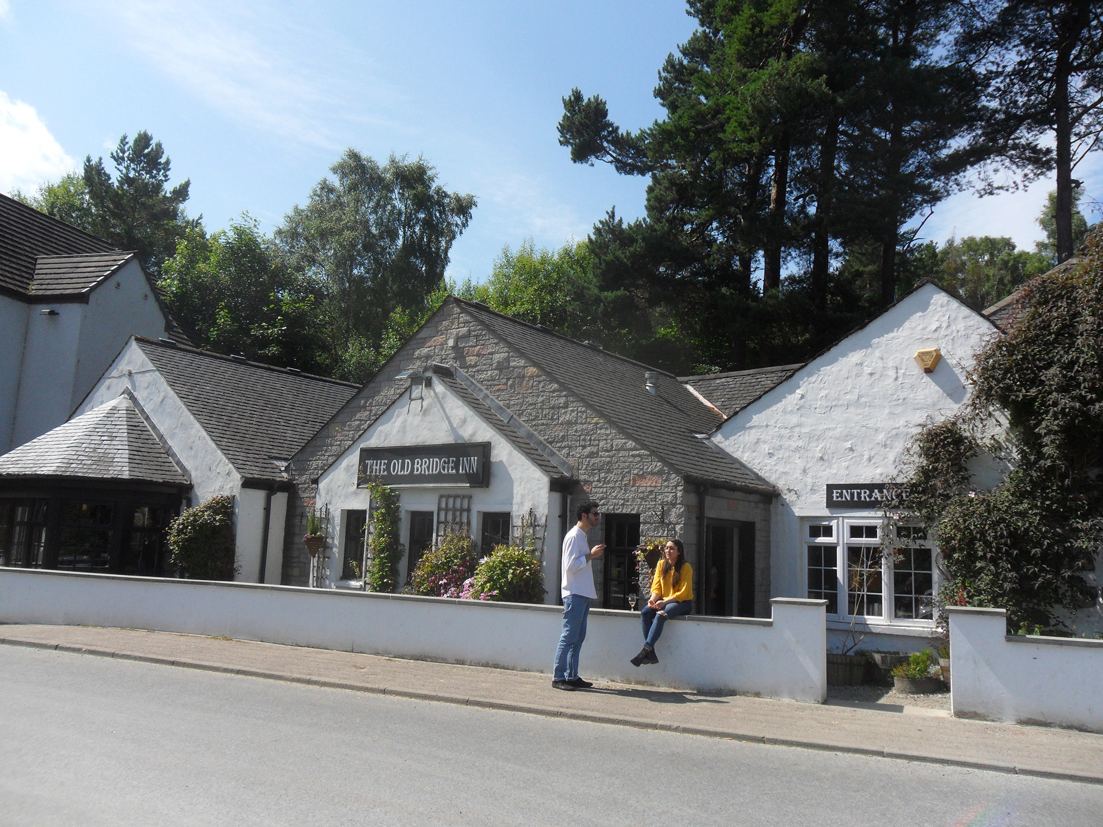 26  and finish in the Old Bridge Inn, Aviemore.JPG